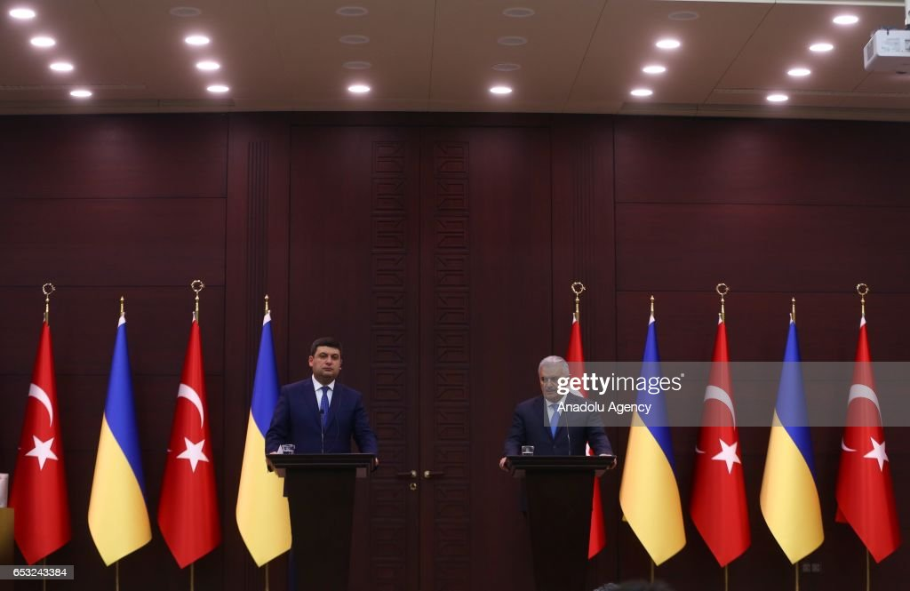 Turkish Prime Minister Binali Yildirim (R) and Prime Minister of Ukraine Volodymyr Groysman (L) hold a joint press conference in Ankara, Turkey on March 14, 2017.
