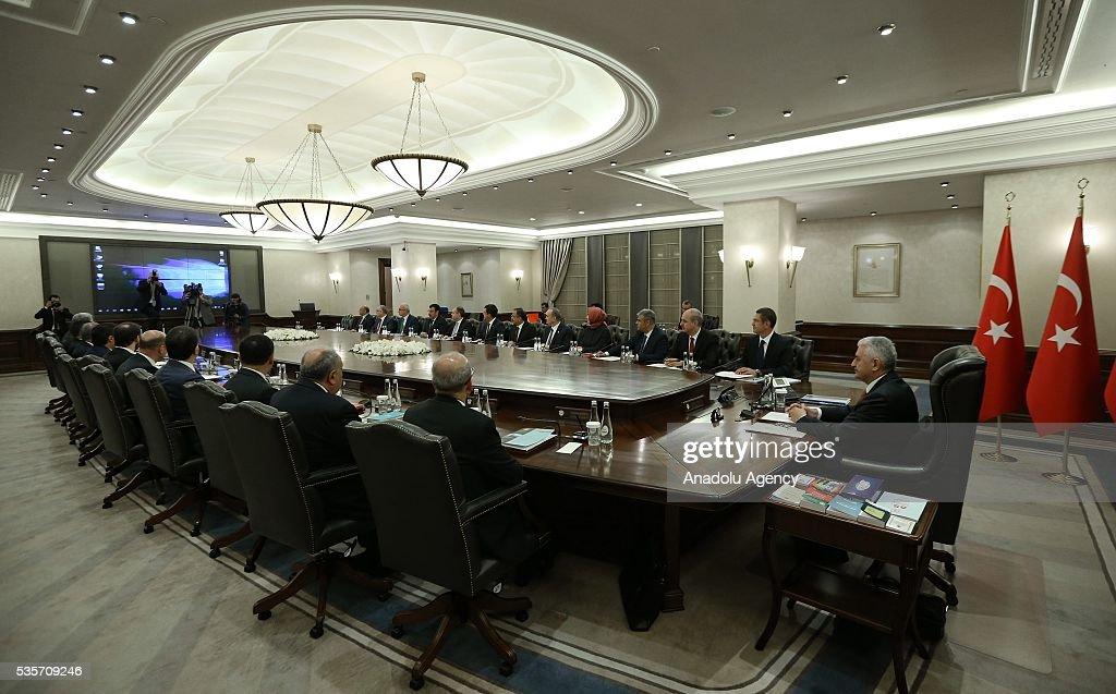 Turkish Prime Minister Binali Yildirim (R) chairs the Cabinet Meeting of Turkey in Ankara, Turkey on May 30, 2016.