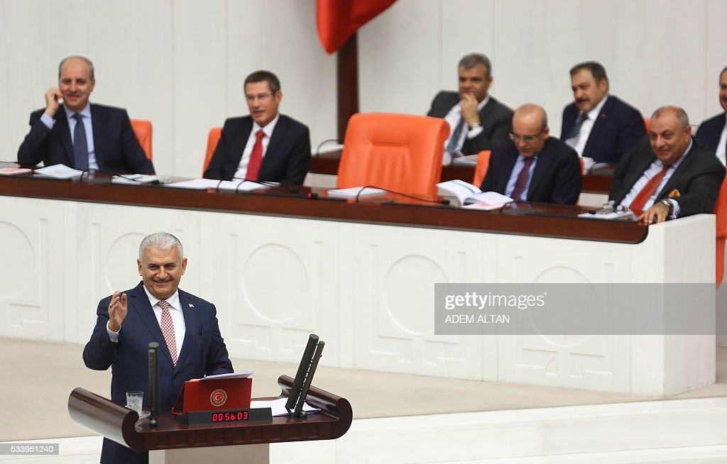 Turkish Prime Minister Binali Yildirim presents the Turkeys 65th government's program to the Grand National Assembly of Turkey (TBMM) in Ankara, on May 24, 2016. / AFP / ADEM