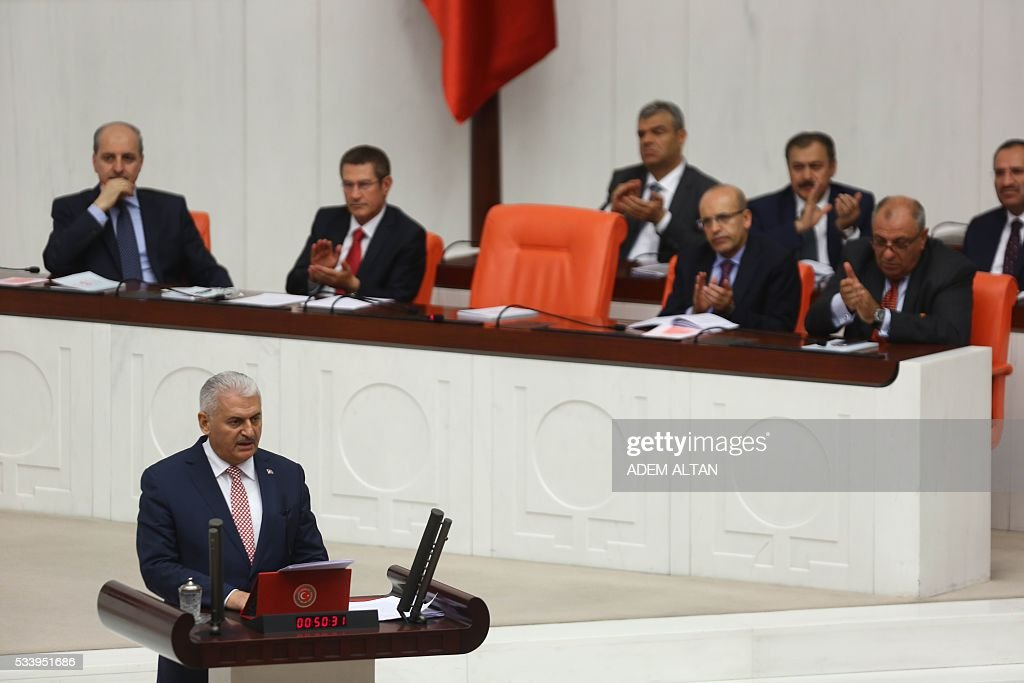 Turkish Prime Minister Binali Yildirim presents Turkeys 65th government's program to the Grand National Assembly of Turkey (TBMM) in Ankara, on May 24, 2016. / AFP / ADEM