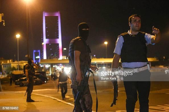 Turkish soldiers block Istanbul's Bosphorus Brigde on July 15 2016 in Istanbul Turkey Istanbul's bridges across the Bosphorus the strait separating...