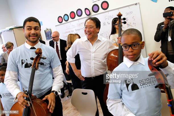 Turnaround artist mentor YoYo Ma works with DC Youth Orchestra ÒMaster ClassÓ students during an event to celebrate Turnaround Arts 2017 expansion...