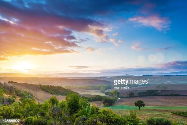 Toscane au lever du soleil