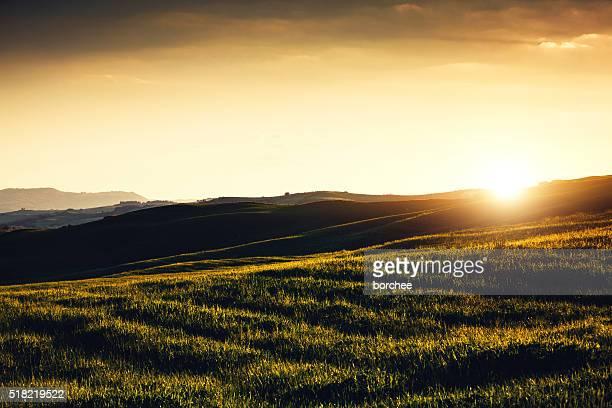 Paysage en Toscane au coucher du soleil