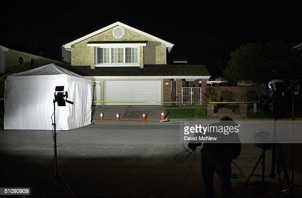 Tustin California A Television News Cameraman Packs His Gear After Airing A Report Outside Of The House Of Dr Larry Ford March 8 2000 In Tustin Ca On...