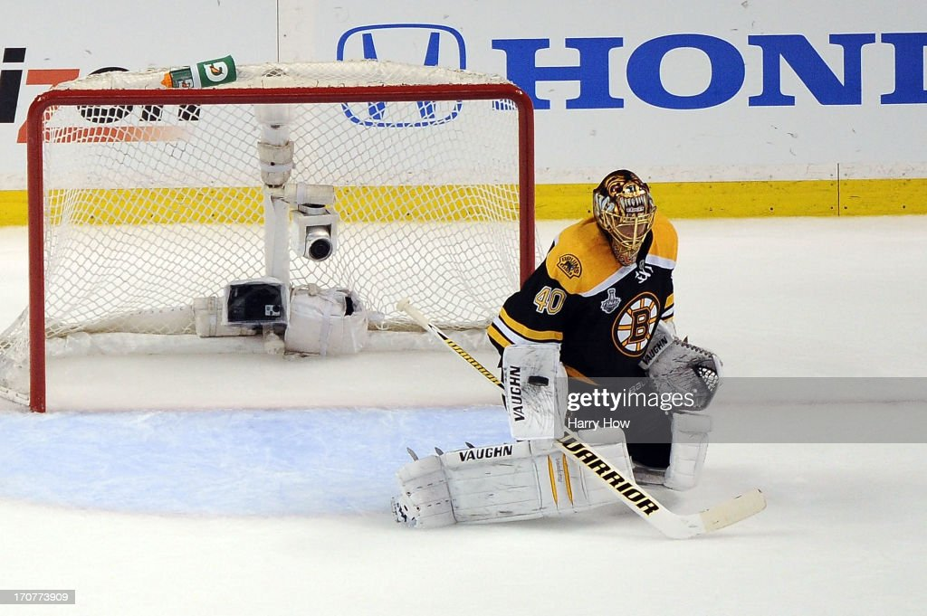 <a gi-track='captionPersonalityLinkClicked' href=/galleries/search?phrase=Tuukka+Rask&family=editorial&specificpeople=716723 ng-click='$event.stopPropagation()'>Tuukka Rask</a> #40 of the Boston Bruins makes a save against the Chicago Blackhawks in Game Three of the 2013 NHL Stanley Cup Final at TD Garden on June 17, 2013 in Boston, Massachusetts.