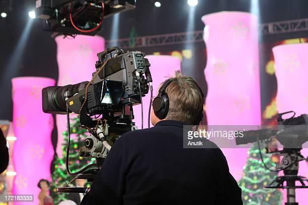 Opérateur avec Caméra de télévision