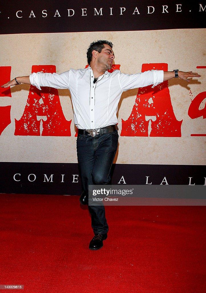 Tv personality Omar Chaparro attends the 'Casa De Mi Padre' Mexico City premiere at the Teatro Metropolitan on April 23, 2012 in Mexico City, Mexico.
