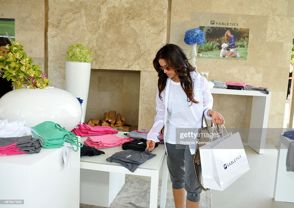 Tv personality Rocsi Diaz attends Kate Hudson celebrates the Fabletics Spring Collection on May 1, 2014 in Los Angeles, California.