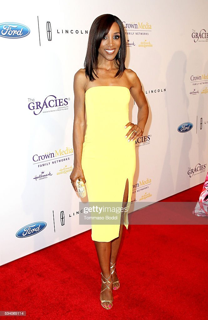 Tv personality Shaun Robinson attends the 41st Annual Gracie Awards at Regent Beverly Wilshire Hotel on May 24, 2016 in Beverly Hills, California.