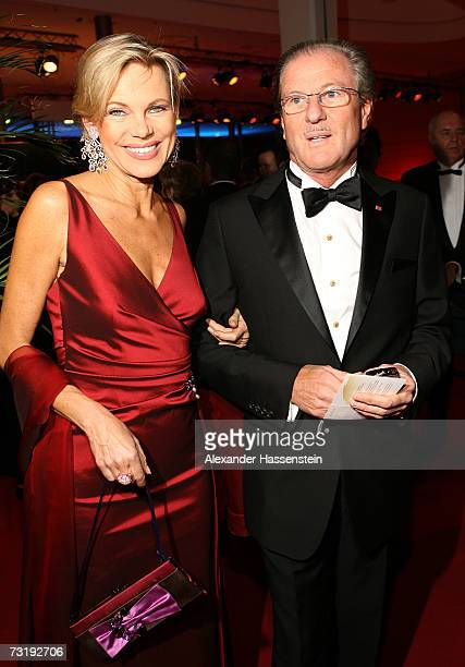 TVhostess Nina Ruge and her husband Wolfgang Reitzle CEO of German gases and forklift maker Linde AG arrives at the 2007 Sports Gala ' Ball des...