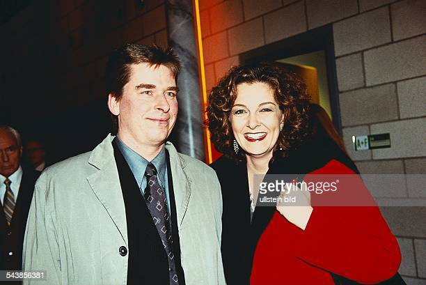 TVModeratorin Bettina Tietjen mit Ehemann Aufgenommen März 1999