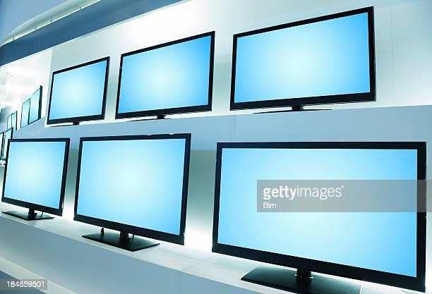 Televisores en tienda de televisión