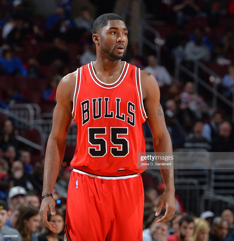 <a gi-track='captionPersonalityLinkClicked' href=/galleries/search?phrase=E%27Twaun+Moore&family=editorial&specificpeople=4877476 ng-click='$event.stopPropagation()'>E'Twaun Moore</a> #55 of the Chicago Bulls looks on against the Philadelphia 76ers at Wells Fargo Center on March 11, 2015 in Philadelphia, Pennsylvania