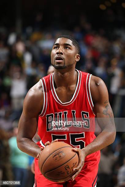 Twaun Moore of the Chicago Bulls prepares to shoot a free throw against the Memphis Grizzlies on December 19 2014 at the FedExForum in Memphis...