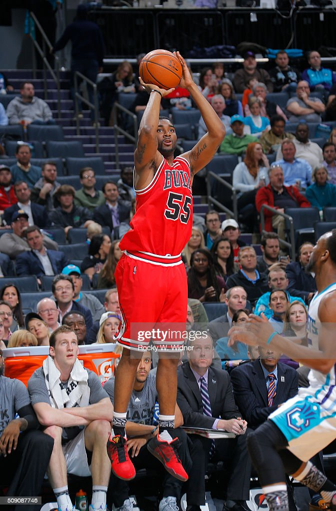 E'twaun Moore #55 of the Chicago Bulls shoots a three pointer against the Charlotte Hornets on Februay 8, 2016 at Time Warner Cable Arena in Charlotte, North Carolina.