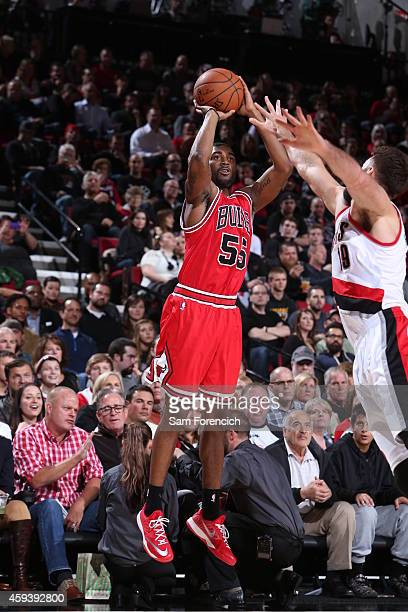 Twaun Moore of the Chicago Bulls shoots the ball against the Portland Trail Blazers during the game on November 21 2014 at the Moda Center in...
