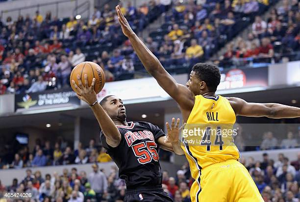 Twaun Moore of the Chicago Bulls shoots the ball during the game against the Indiana Pacers at Bankers Life Fieldhouse on March 6 2015 in...