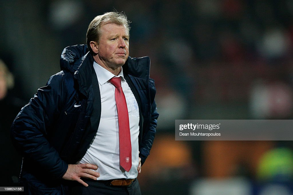 Twente Manager / Coach, Steve McClaren reacts on the sidelines during the Eredivisie match between AZ Alkmaar and FC Twente at the AFAS Stadium on December 21, 2012 in Alkmaar, Netherlands.