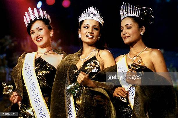 Twentyoneyearold Celina Jaitley is crowned Femina Miss IndiaUniverse at a ceremony in Bombay 27 January 2001 At left is 20yearold Femina Miss India...
