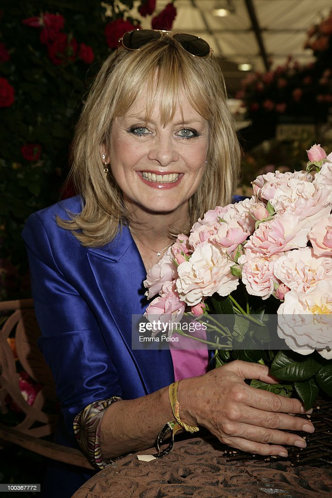 Twiggy attends the Press & VIP preview at The Chelsea Flower Show at Royal Hospital Chelsea on May 23, 2010 in London, England.