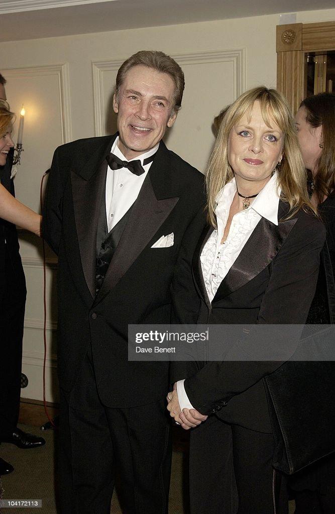 Twiggy & Leigh Lawson, Evening Standard Film Awards, At The Savoy Hotel, London