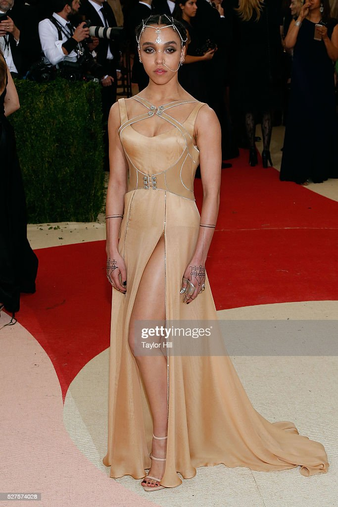 Twigs attends 'Manus x Machina: Fashion in an Age of Technology', the 2016 Costume Institute Gala at the Metropolitan Museum of Art on May 02, 2016 in New York, New York.