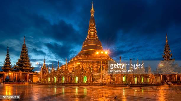 Twilight at Schwedagon paya