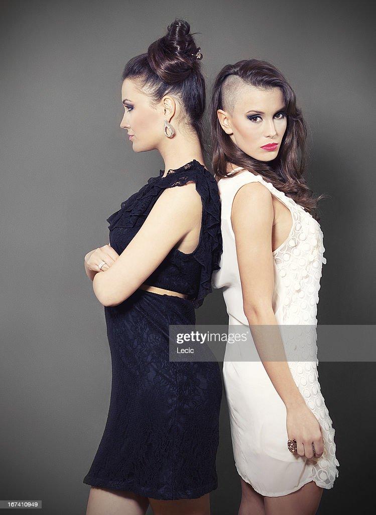 Zwei schöne Junge Frauen : Stock-Foto