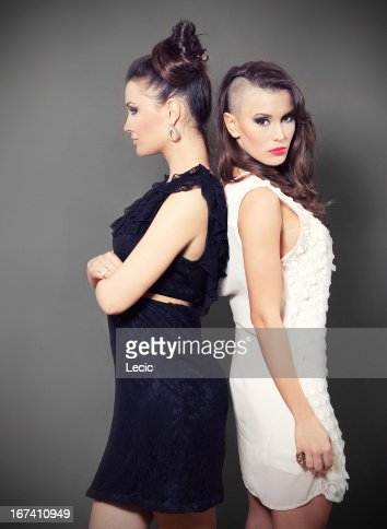 Two Beautiful Young  Women : Stockfoto