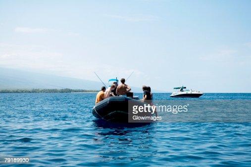 Two boats in the sea, Captain Cook's Monument, Kealakekua Bay, Kona Coast, Big Island, Hawaii islands, USA : Foto de stock