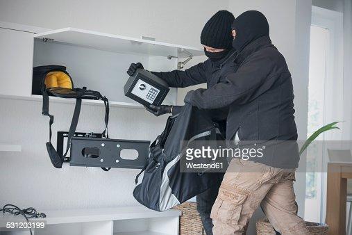 5 Cases Where the Burglar Sued Homeowner