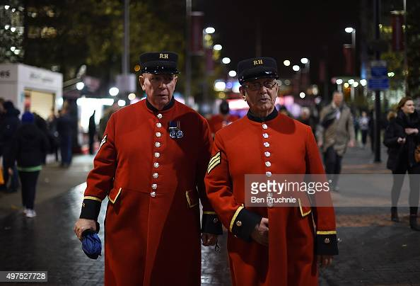 Two Chelsea Pensioners arrive ahead of tonight's International friendly match between England and France on November 17 2015 in London England...