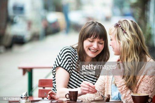 Dois amigos no Café : Foto de stock