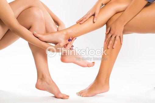 girl-feet-massage