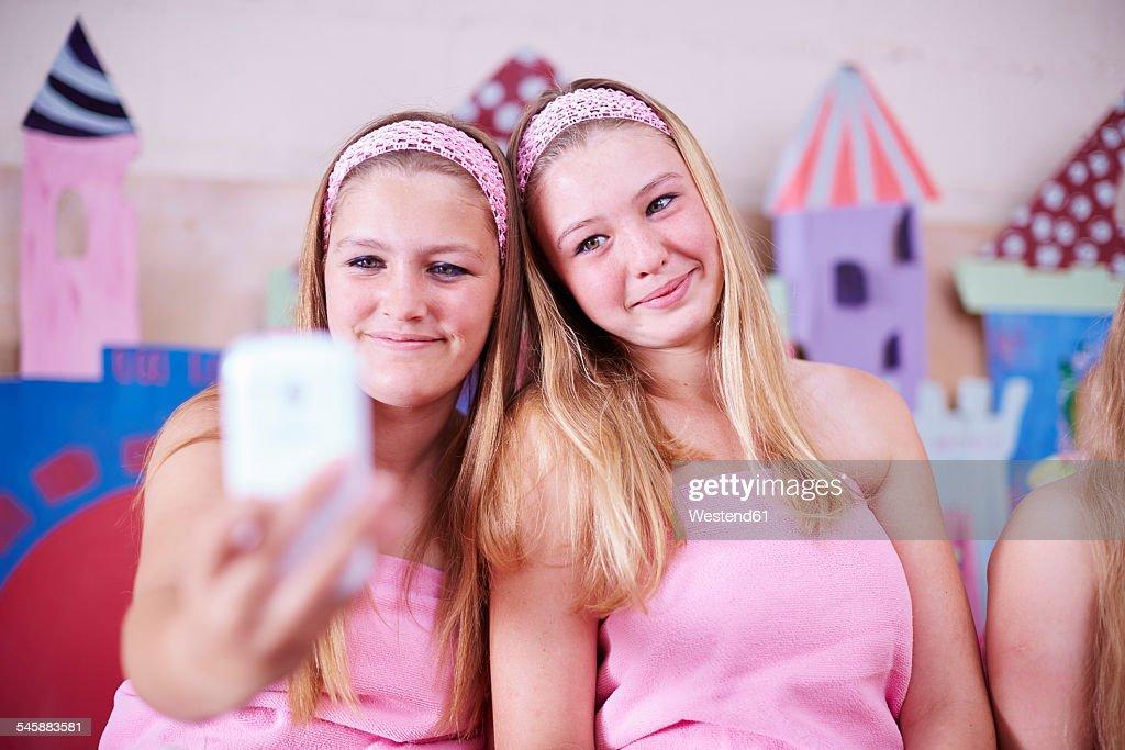 Девушки в памперсе фото