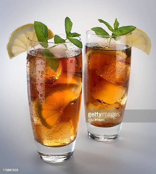 Two glasses of iced tea