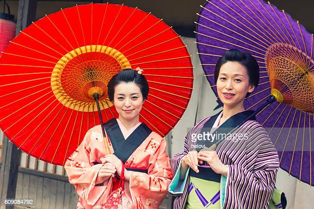 Two Japanese woman in 17century Japan