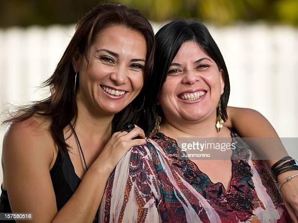 Zwei Miami Hispanic Hausfrauen