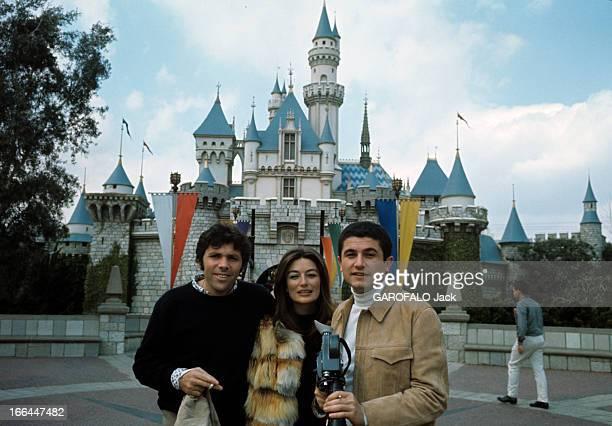 Two Oscars For The Film 'Un Homme Et Une Femme' By Claude Lelouch Californie avril 1967 A l'occasion de la cérémonie de remise des Oscars le...