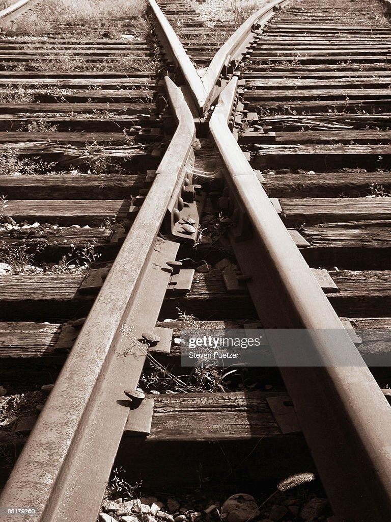 Two train tracks crossing