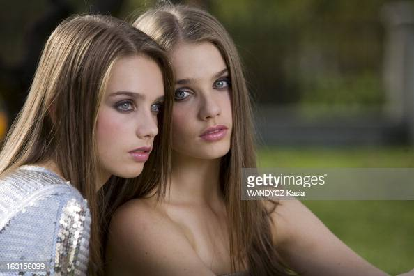 two twin at the elite world contest pictures getty images. Black Bedroom Furniture Sets. Home Design Ideas