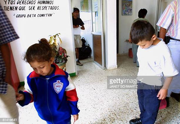 Two undocumented El Salvadoran children four yearold Rosi Aviles and brother seven yearold Elmi Leodan Aviles are cared for by the Beta Group in...