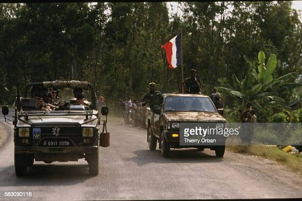 Two vehicles on the same route the French are on a reconnaissance mission the Rwandan army on parade There was no exchange between the two armies...