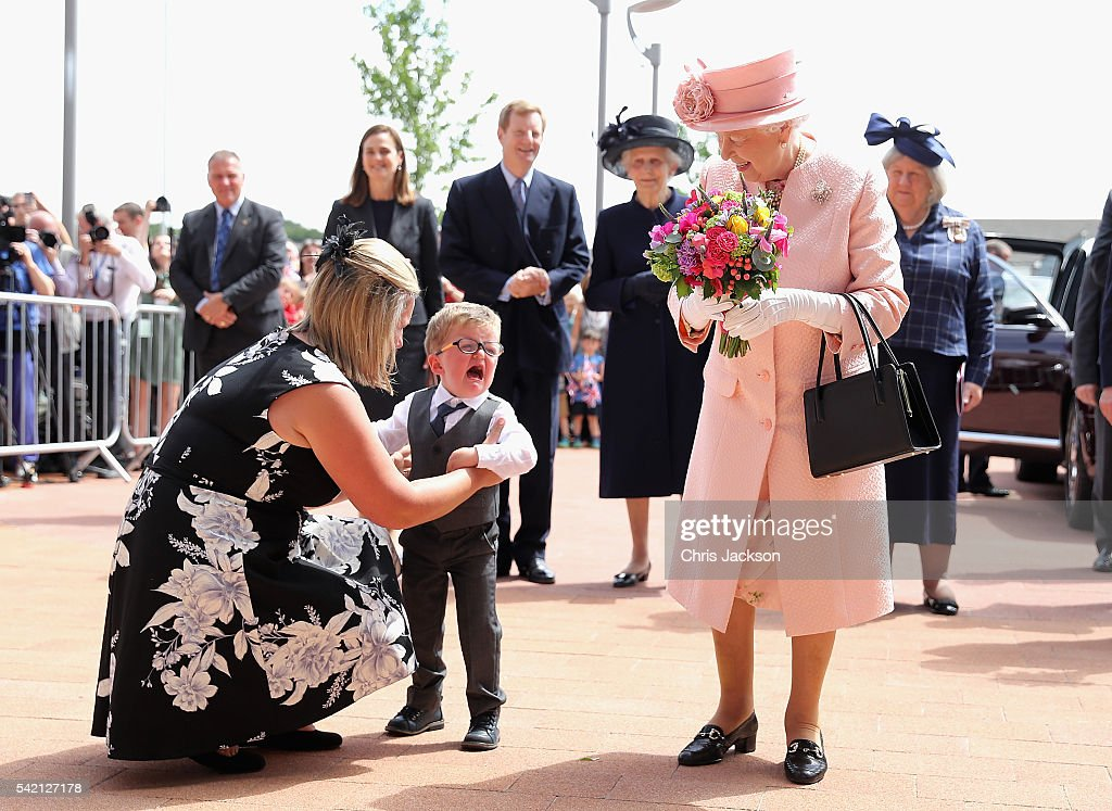 two-year-old-lewis-connet-bursts-into-tears-as-he-presents-queen-ii-picture-id542127178