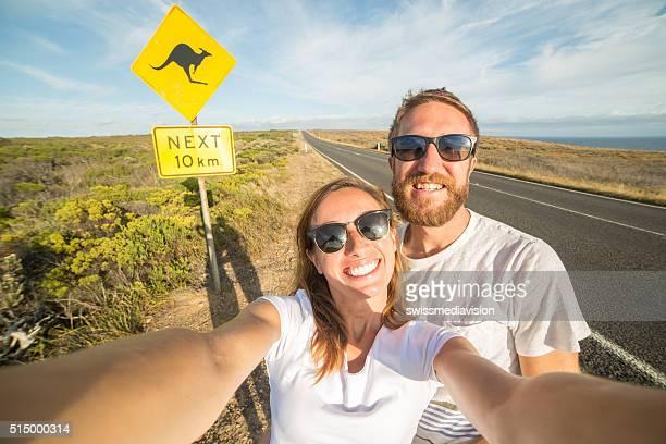 Dois jovens adultos tirar uma selfie Retrato na Austrália