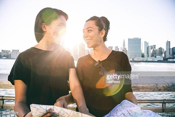 Due giovani turisti a New York