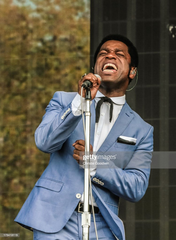 <a gi-track='captionPersonalityLinkClicked' href=/galleries/search?phrase=Ty+Taylor&family=editorial&specificpeople=2209533 ng-click='$event.stopPropagation()'>Ty Taylor</a> of Vintage Trouble performs on stage at British Summer Time Festival at Hyde Park on July 13, 2013 in London, England.