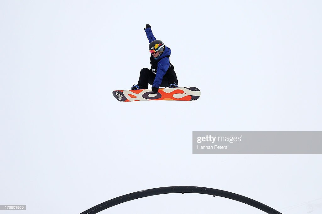 <a gi-track='captionPersonalityLinkClicked' href=/galleries/search?phrase=Ty+Walker+-+Snowboarder&family=editorial&specificpeople=12441401 ng-click='$event.stopPropagation()'>Ty Walker</a> of the USA competes in qualifying for FIS Snowboard Slopestyle World Cup Finals during day five of the Winter Games NZ at Cardrona Alpine Resort on August 19, 2013 in Wanaka, New Zealand.