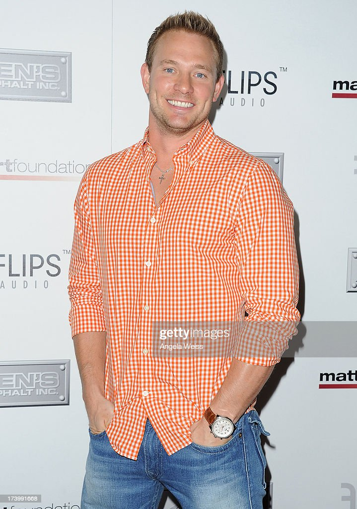 <a gi-track='captionPersonalityLinkClicked' href=/galleries/search?phrase=Tye+Strickland&family=editorial&specificpeople=5999337 ng-click='$event.stopPropagation()'>Tye Strickland</a> arrives at the Matt Leinart Foundation's 7th Annual 'Celebrity Bowl' at Lucky Strike Bowling Alley on July 18, 2013 in Hollywood, California.